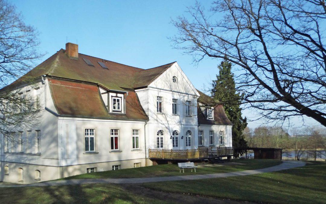Blaues Kreuz – Schloss Zahren